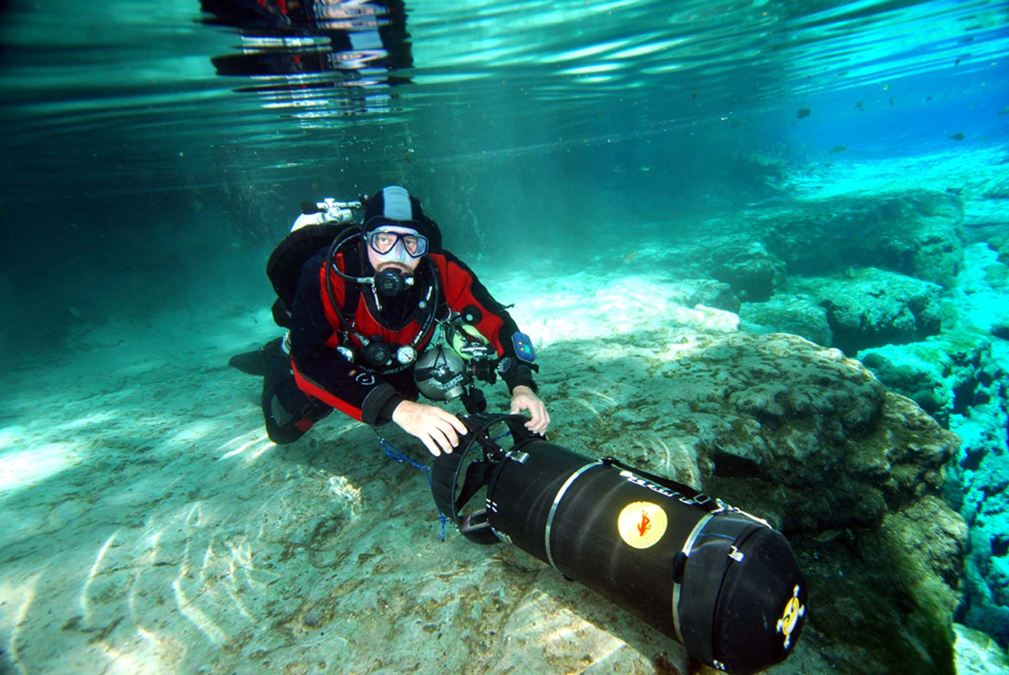 Cave Diving Training & Guide Service